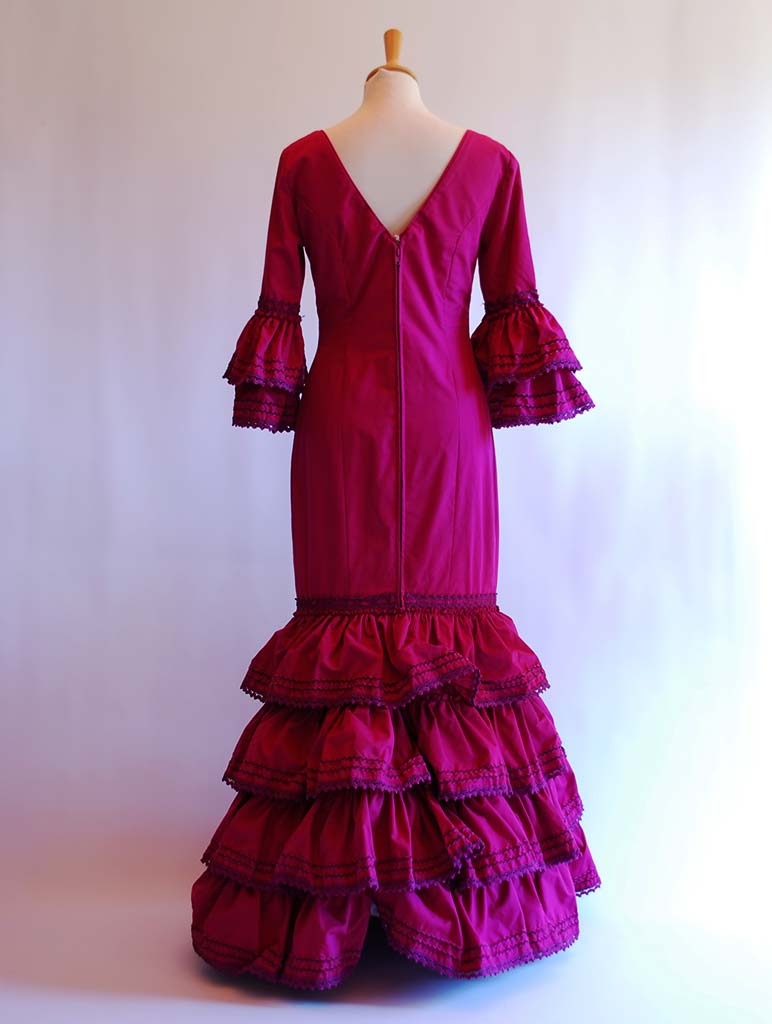 alquilar traje de flamenca