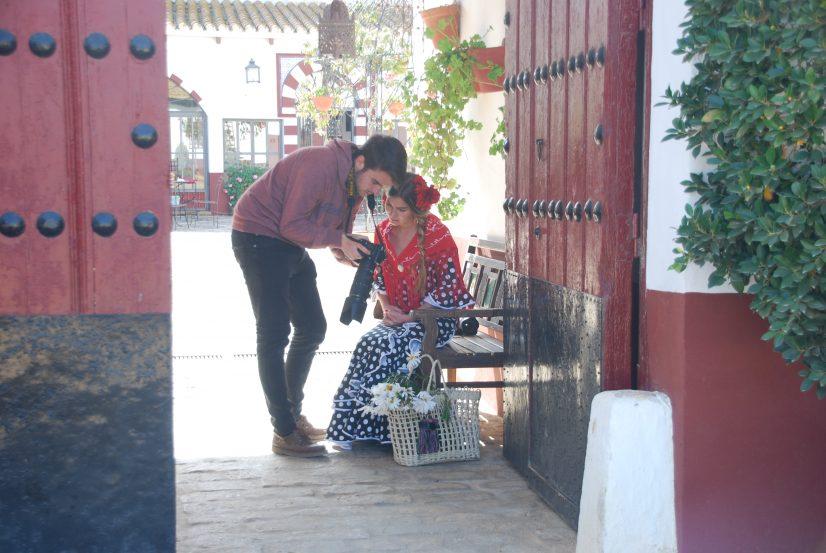 alquiler trajes de flamenca. vestidos de sevillana. Experiencia flamenca en Sevilla