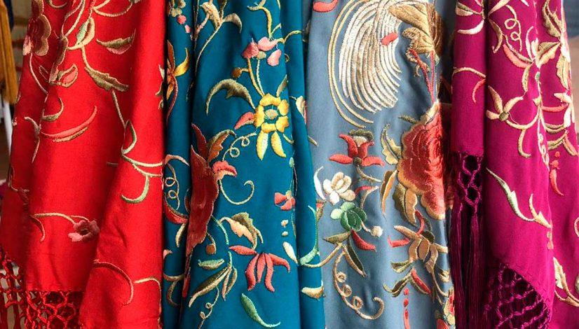 mantoncillos bordados. mantón de manila, mantones, mantoncillo de flamenca