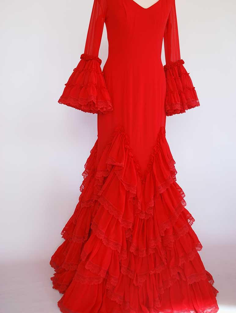 Traje flamenca diseñador Pilar Vera gasa rojo pasarela SIMOF