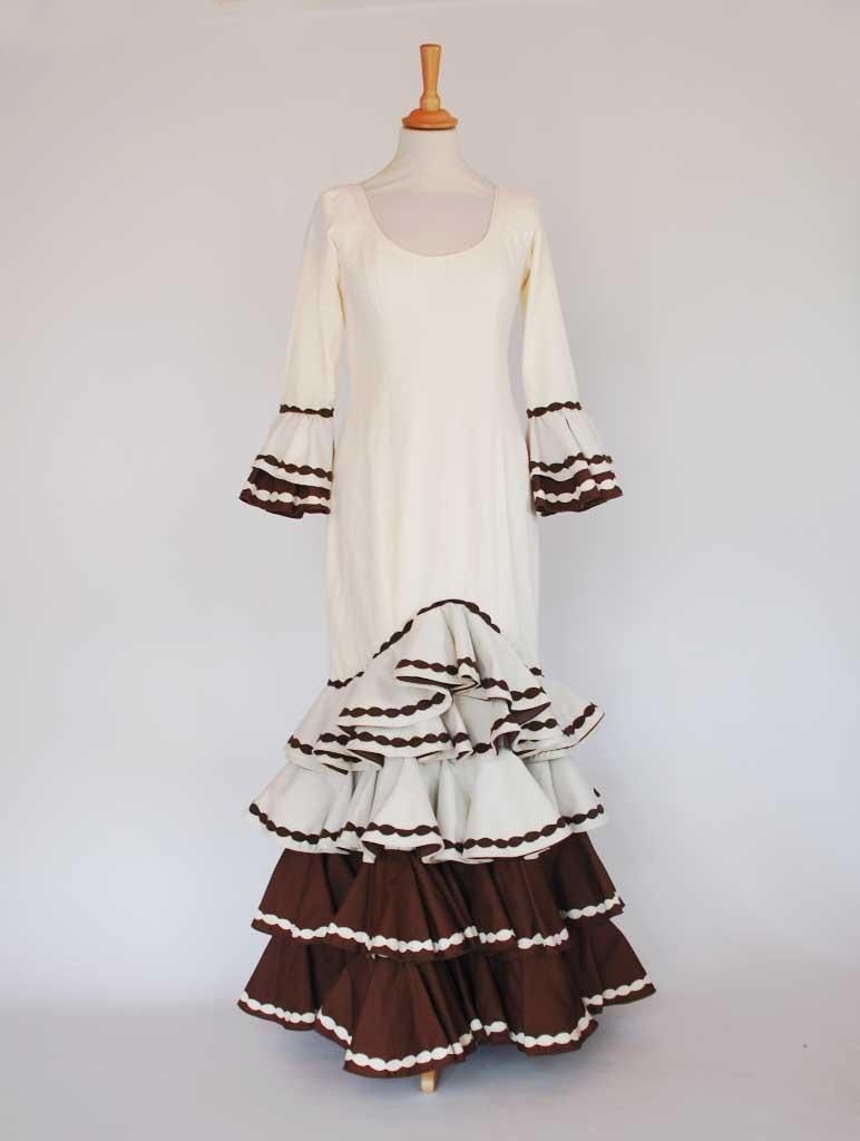 Traje de flamenca beige combinado marrón