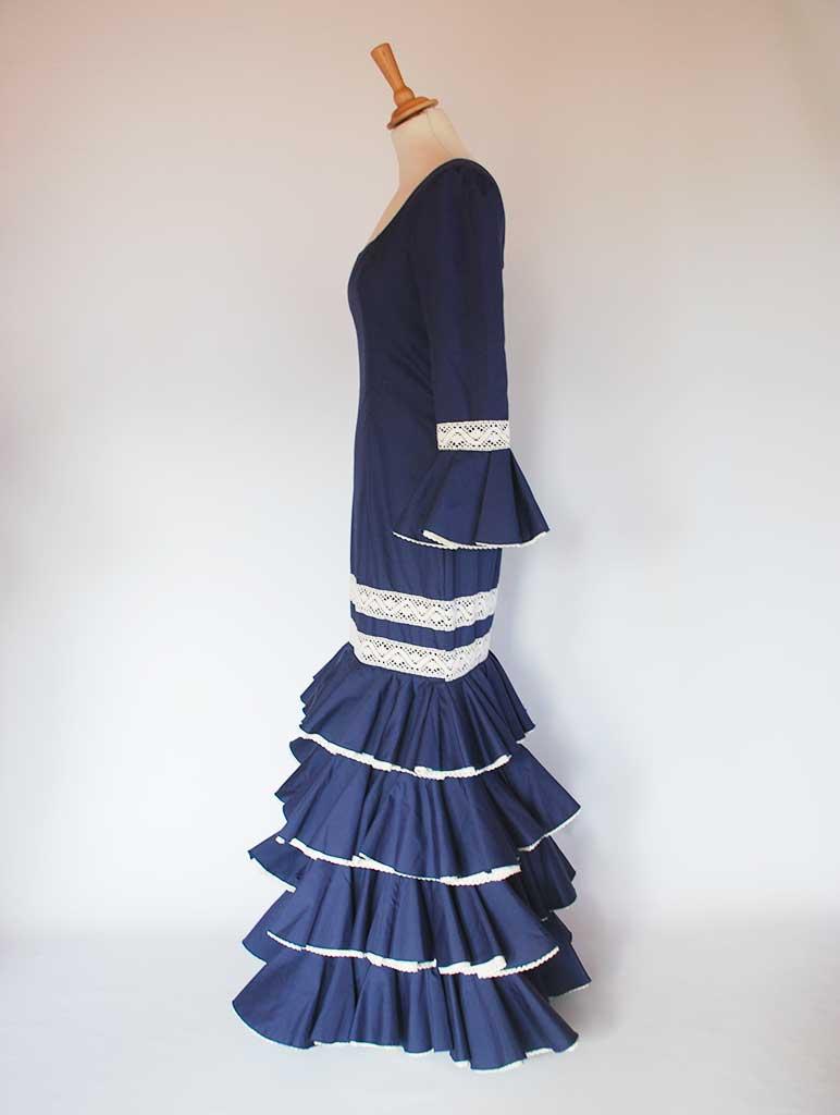 Traje de flamenca popelín azulón encaje de bolillos