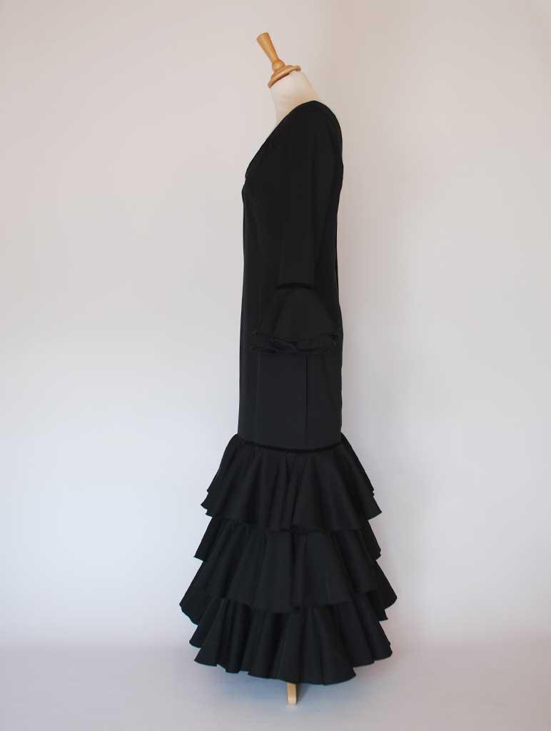 Traje de flamenca elástico negro volantes de capote